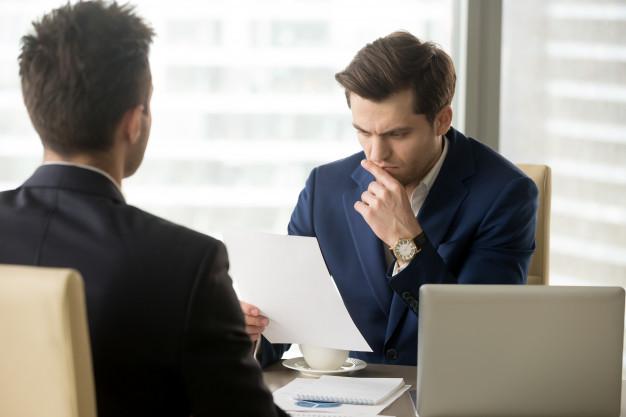 Người nhà xin vào làm việc giữ vị trí quản lý nhưng không có năng lực